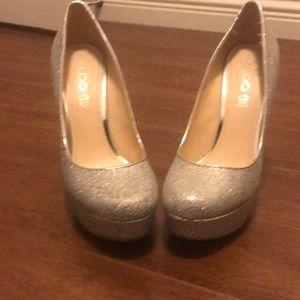 High heels in silver glitter